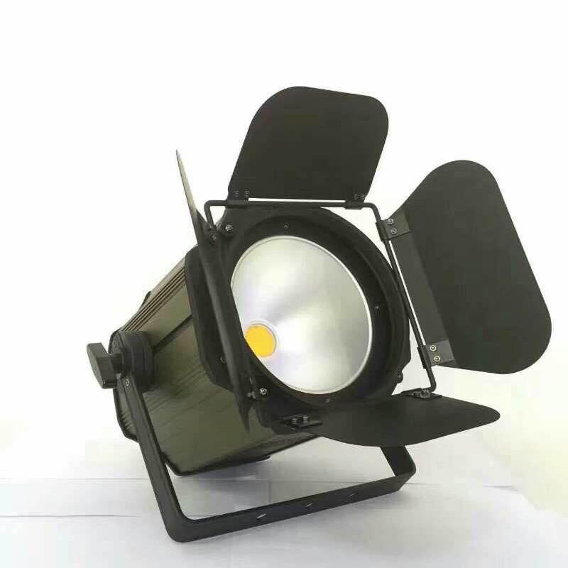 200W COB帕灯